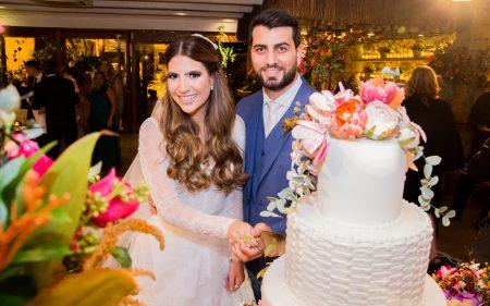 Danielle Nina e Filipe Távora oficializam união na Igreja do Líbano; comemoração ocorre no Colosso
