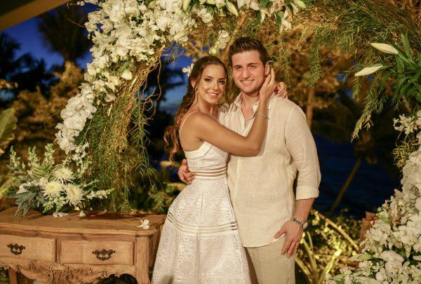 Omar Macêdo e Fernanda Levy oficializam casamento civil com cerimônia em Paracuru; temos os cliques