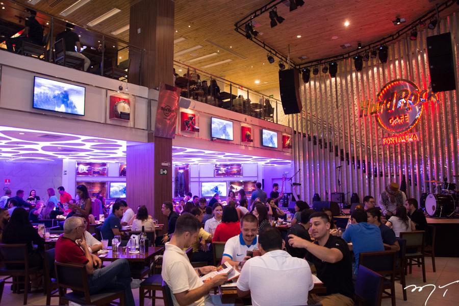 Tributo ao Michael Jackson, cover do U2 e muito rock agitam o fim de semana no Hard Rock Cafe Fortaleza