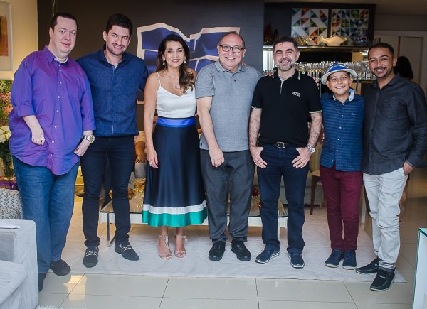Márcia e Fernando Travessoni apresentam novidades do Show Anjos do Natal 2019 em jantar especial para convidados