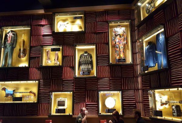 Hard Rock Hotel Fortaleza terá memorabilia de artistas do pop rock internacional