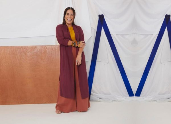 """""""Precisamos repensar o que é luxo"""", alerta Glória Pires em entrevista exclusiva ao site MT Galeria"""