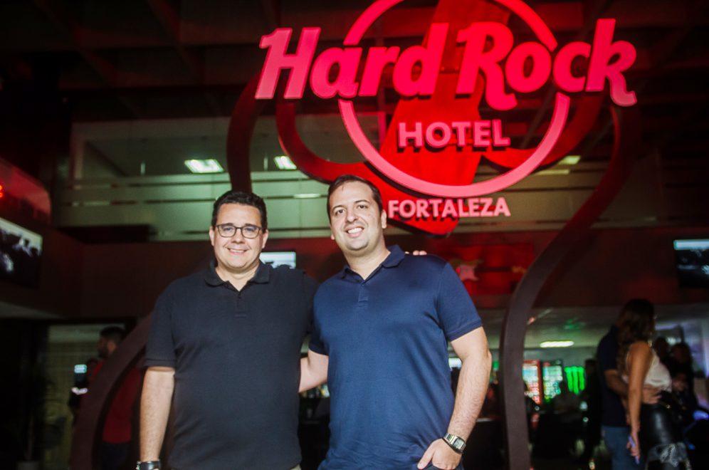 Loja Hard Rock Conceito abre as portas com show inédito da banda Hanoi Hanoi; temos os cliques