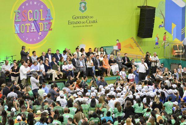 Prêmio Escola Nota Dez premia 337 unidades educacionais