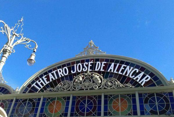 Theatro José de Alencar comemora 109 anos