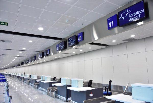 Prefeitura promove ação para recepcionar turistas no Aeroporto Internacional de Fortaleza