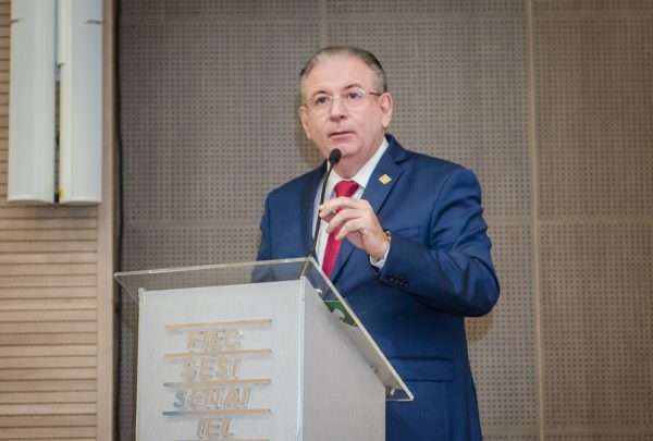 Ricardo Cavalcante participa de encontro com o setor mineral em Brasília