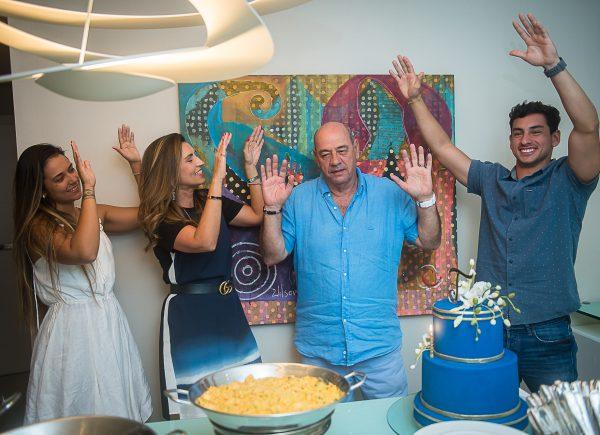 Fernando Travessoni comemora aniversário em noite embalada por boa música