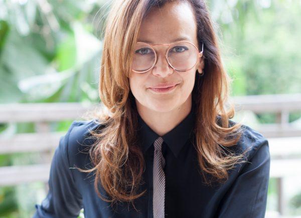 'A moda precisa se reinventar para diminuir os danos à natureza', diz Betty Prado em entrevista exclusiva ao MT Galeria