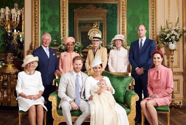 Archie, filho do príncipe Harry e Meghan Markle, é batizado em Windsor