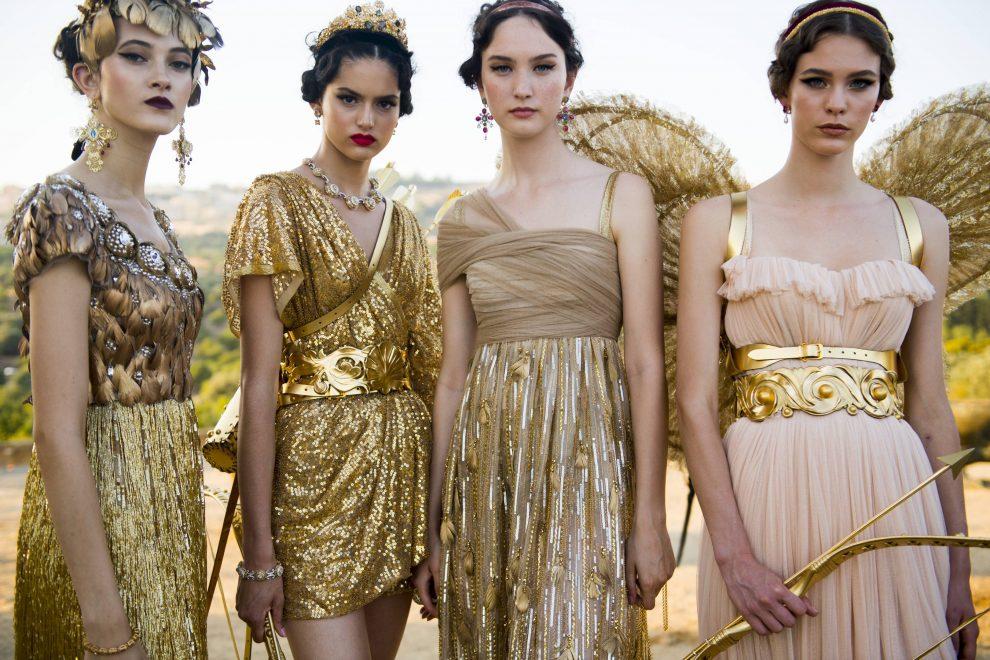Dolce & Gabbana recria Olimpo em desfile glamouroso na Itália; veja fotos
