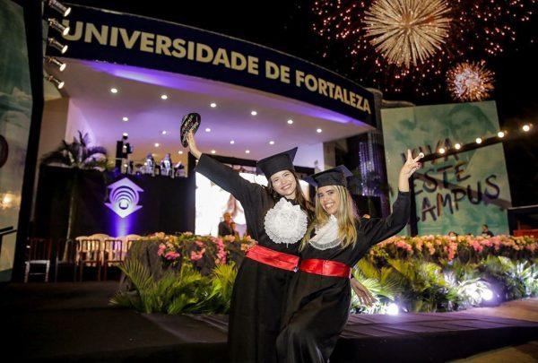 Unifor presenteia alunos da pós-graduação com ingresso para o MaxiModa 2019