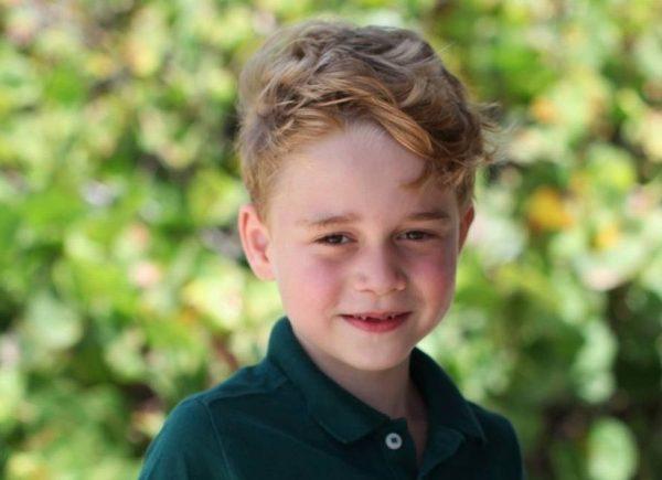 Príncipe George completa seis anos e ganha homenagem da família real