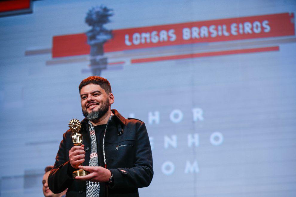 """""""Pacarrete é uma história de resistência"""", Allan Deberton fala sobre carreira e Festival de Gramado"""