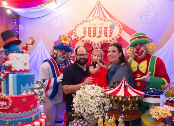 Patati Patatá comanda alegria no aniversário de Juliana Pádua