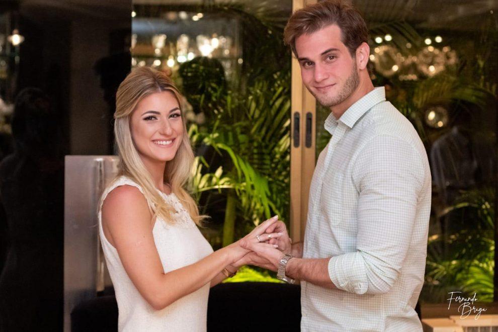 Bruna Magalhães e Ravi Macêdo oficializam noivado em jantar para a família