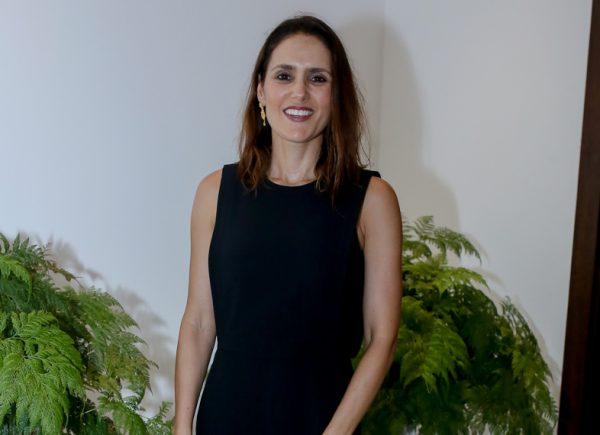 """Manoela Queiroz Bacelar lança livro """"Vovó, Zefinha e eu"""" nesta sexta (23)"""