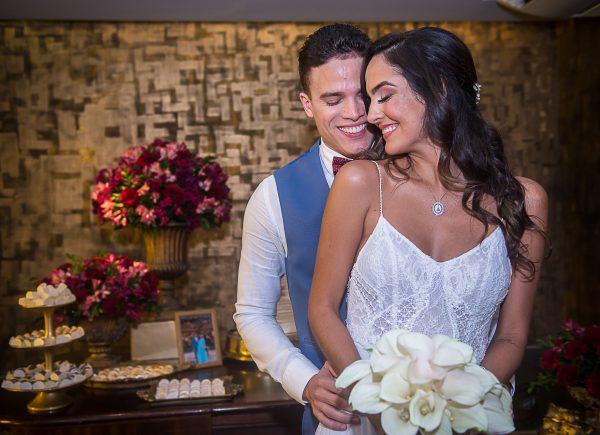 Marcos Lessa e Jeycielle Oliveira trocam alianças em cerimônia civil