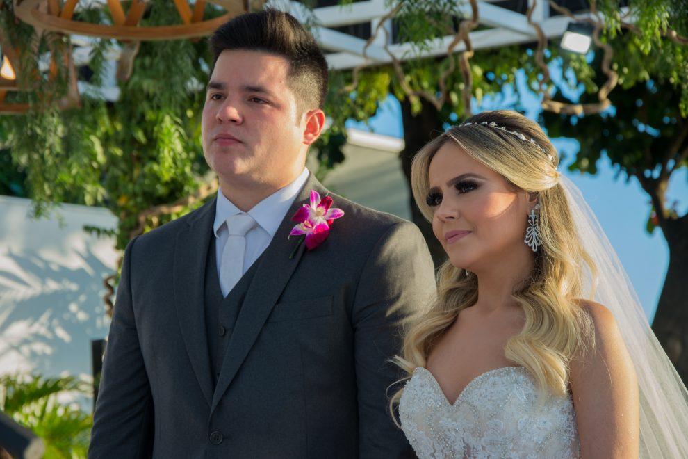 Érica Dantas e Pedro Vasconcelos casam ao pôr do sol no La Maison