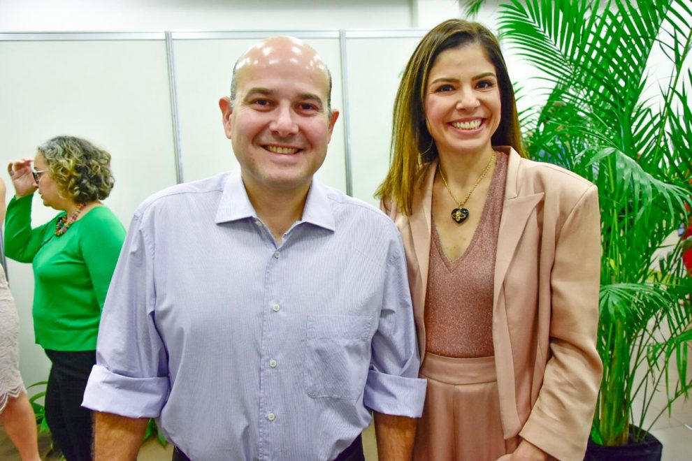 Roberto Cláudio e Carol Bezerra divulgam políticas públicas no Seminário Missão Infância