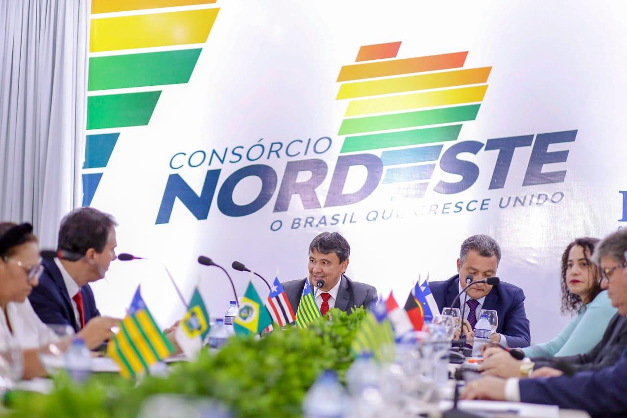 Camilo Santana participa do Consórcio Nordeste Junto em Teresina