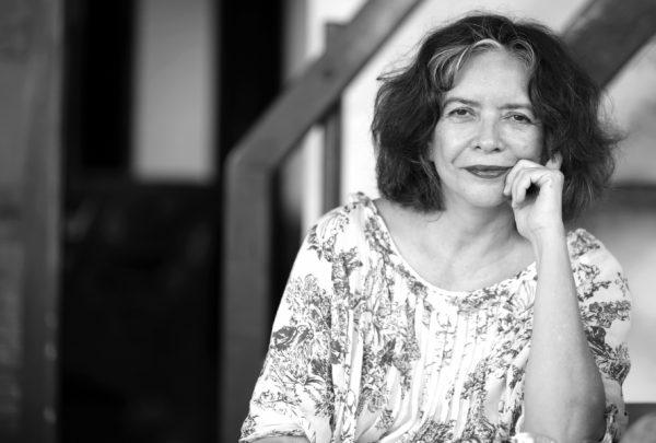 """""""É um prazer enorme fazer parte desse projeto"""", afirma Ana Miranda, uma das curadoras da Bienal do Livro do Ceará deste ano"""