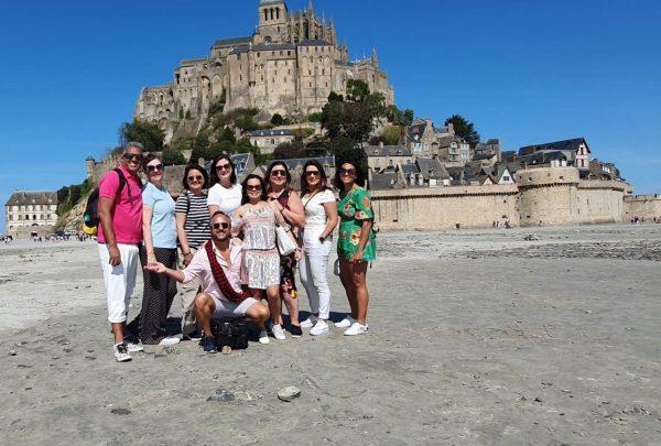 Agentes de viagem de Fortaleza conhecem os encantos de Paris e Normandia
