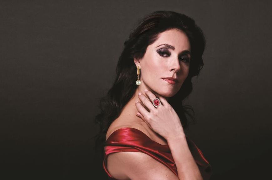 Atriz Christiane Torloni estrela espetáculo no Teatro RioMar Fortaleza