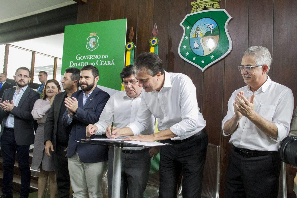 Governador Camilo Santana sanciona leis da Plataforma de Modernização da Saúde
