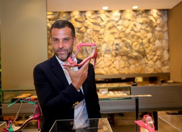 Marca Alexandre Birman lança coleção Resort 2020