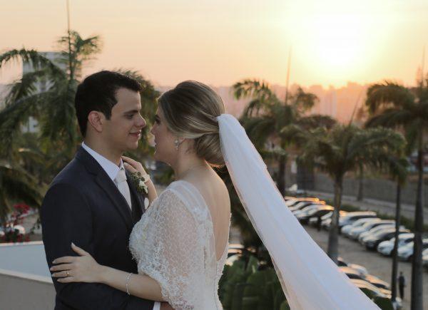 Bárbara Andrade e Galileu Ferreira casam em noite de muito amor e alegria