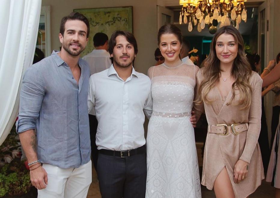 Marcella Minelli e Marcelo Menezes realizam animada festa de noivado