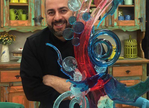Chef Rafael Barros participa de aula show sobre confeitaria nessa quarta-feira (25)