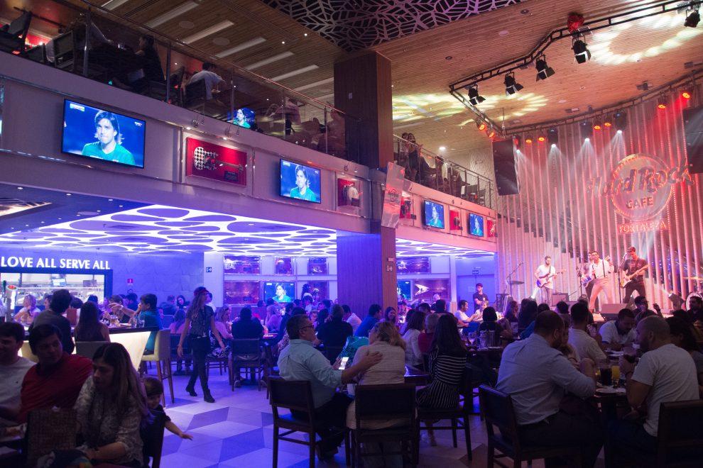 Hard Rock Cafe inicia competição da melhor banda de rock de Fortaleza