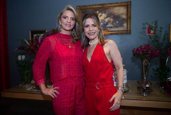 Michelle Aragão e Carla Nogueira celebram Bday Party no Oui Bistrô