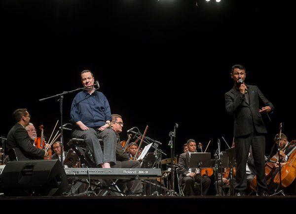 Orquestra Contemporânea Brasileira e David Valente fazem show emocionante no Cineteatro São Luiz