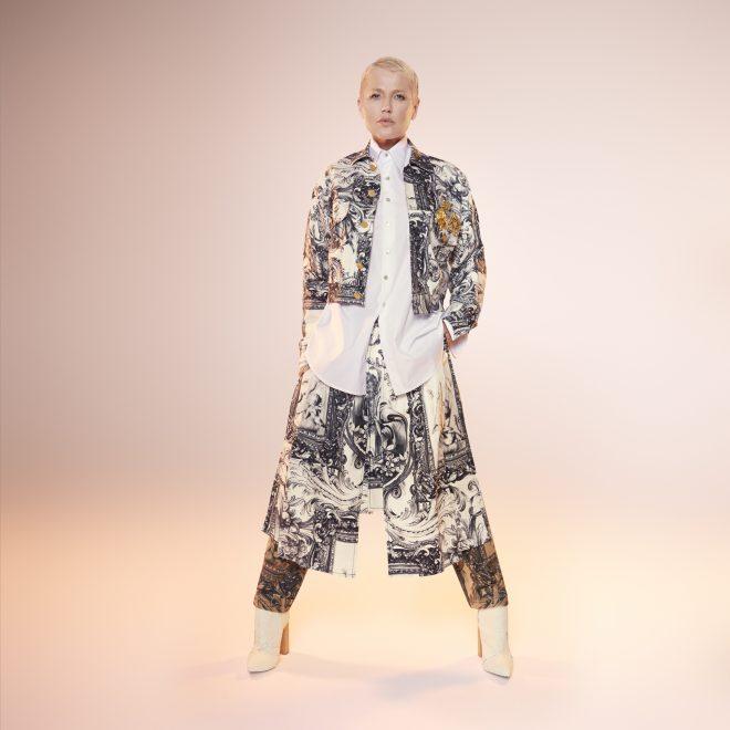 Xuxa retorna às passarelas a pedido especial de marca carioca; saiba detalhes