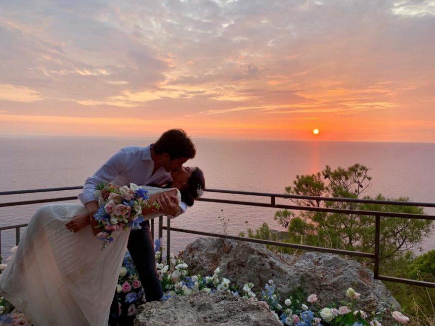 Sunset Moments: Nicole Pinheiro e Netinho Bayde recordam seu destination wedding em festa intimista