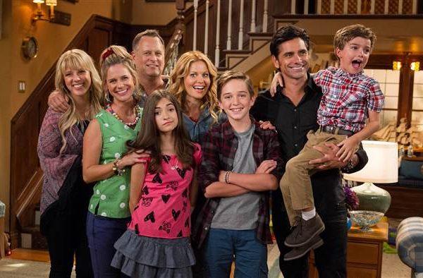Conheça cinco séries na Netflix que abordam a família