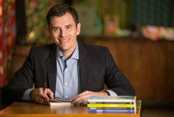 Gustavo Cerbasi, especialista em inteligência financeira, realiza palestra no RioMar Fortaleza