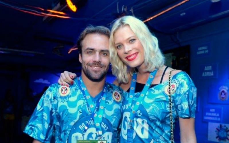 Roger Flores e Betina Schmidt trocam alianças em Icaraizinho de Amontada