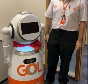 Gol lança robô que irá ajudar passageiros durante dúvidas no embarque