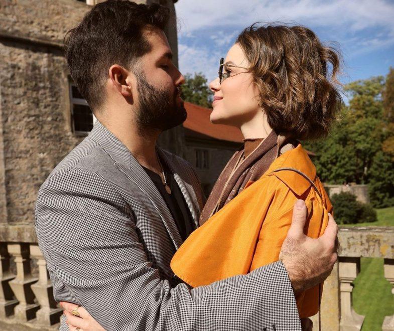 Paulinha Sampaio e Felipe Rocha celebram o amor na famosa Rota Romântica alemã