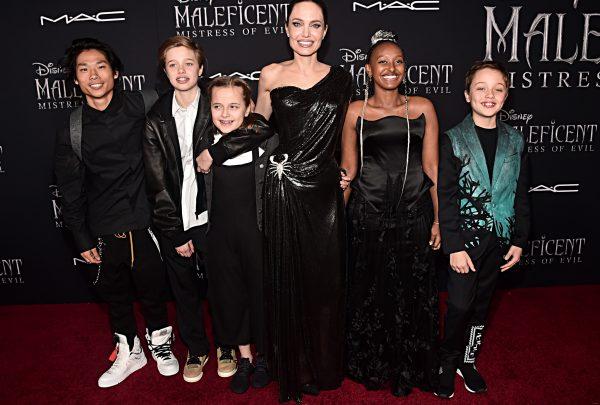Angelina Jolie reúne os filhos na première de 'Malévola 2'; confira os looks do tapete vermelho