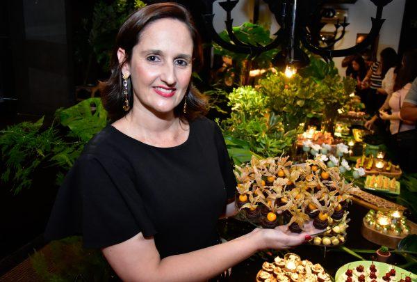 Ingredientes diferentões: Carol Chocolates apresenta tendências em doces para 2020