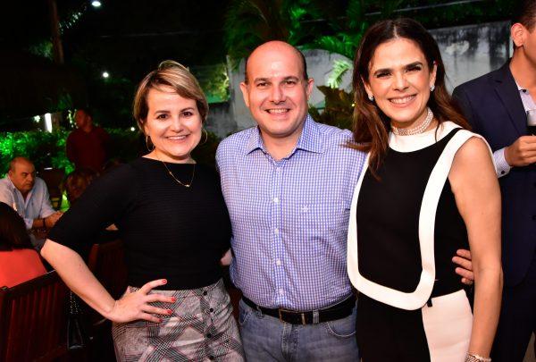 Niedja Bezerra toma posse como presidente da Sociedade Cearense de Reumatologia; confira as fotos