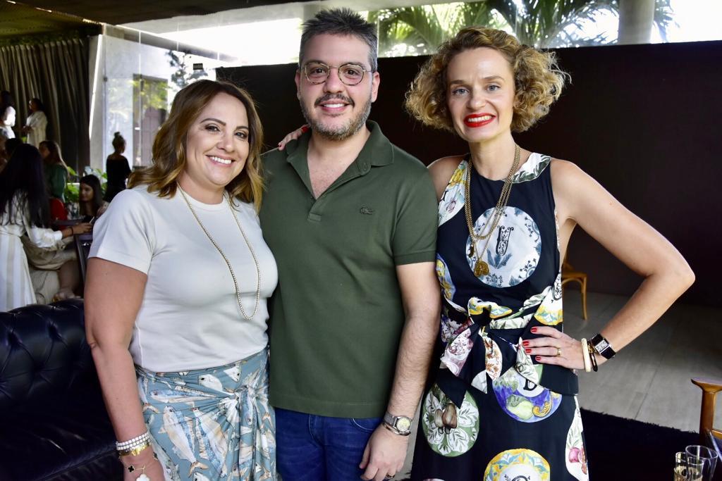 """""""Tendência não é o que está na moda, é o que dá certo para você"""", diz Ucha Meirelles em evento da Água de Coco"""
