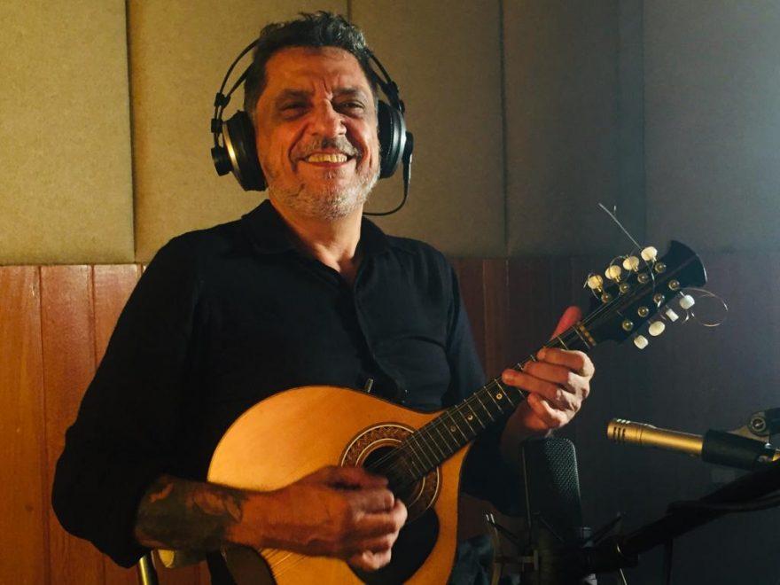 Carlinhos Patriolino abre show Anjos do Natal 2019 com homenagem a Ave Maria