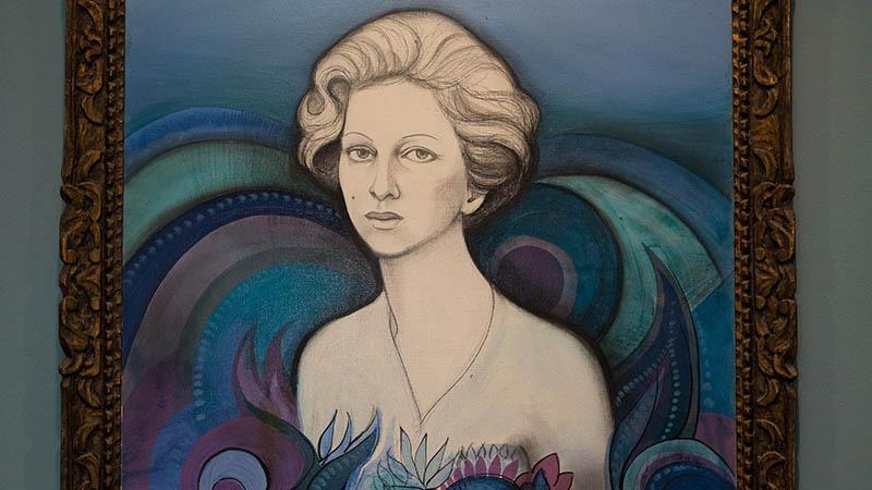 Legado familiar e acervo artístico de Yolanda Queiroz ganha exposição no Espaço Cultural Unifor