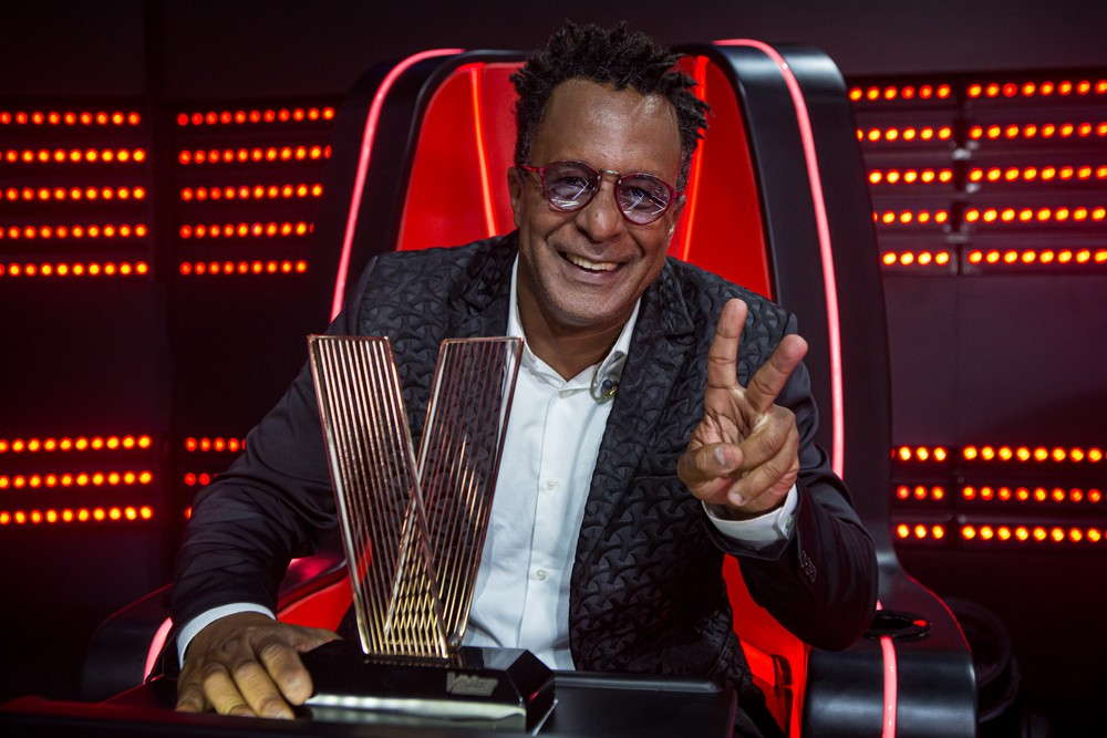 Sobrinho de Dolores Duran, conheça Tony Gordon, vencedor do The Voice Brasil 2019